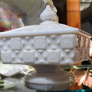 Westmoreland White Milk Glass Old Quilt Covered Footed Square Candy Dish 1960s 60s Mid Century Wedding Home Decor Country Cottage Farmhouse