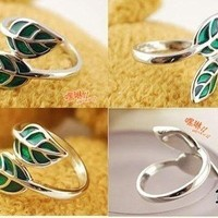 Woodland Fantasy Leaf Ring Size 5