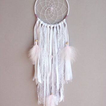 Soft Mauve Dreamcatcher - Boho Bedroom Decor - Nursery wall Decor - Shabby Dreamcatcher - Wall Hanging Dreamcatcher