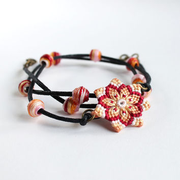 Hippie textile Macramè bracelet/necklace with mandala flower and beads