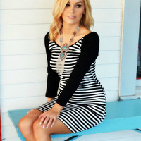 SZ LARGE High Notes Black & White Bodycon Dress