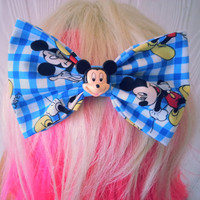 Mickey Mouse hair bow / classic mickey / Disney hair bow / mickey mouse / hair bow / disney hair clip / mickey hair bow / hair clip