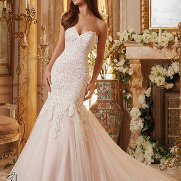 Mori Lee 5461 Ivory Size 12 Fitted lace wedding gown, sweetheart neckline