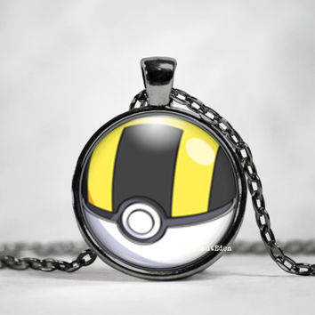 Ultra Ball Pokeball Pendant, pokemon go, pokemon jewelry, pokemon necklace, japanese anime, fan art,pokeball necklace