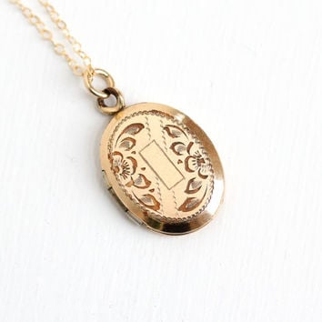 Vintage Art Deco Era Floral Etched Locket Necklace - 12k Gold Filled Oval Vine Pendant Blank Initial 1940s Jewelry Hallmarked A&Z Chain Co.