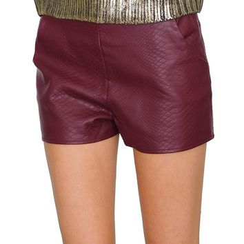 Rule The Weekend Shorts - Burgundy