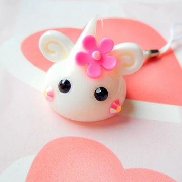 Cute Flower Charm, White Hoppe Chan, Dust Plug Cute Phone Charm, Kawaii Keychain, Anime Gift, Sweet Lolita Kawaii Squishy Charm, Silicone