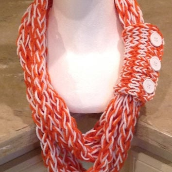 University of Texas Texas Longhorns Finger Knit Infinity Eternity Circle Chunky Winter Scarf