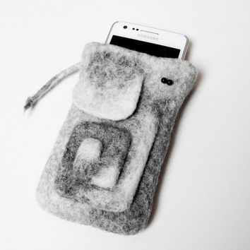Felted Case for Samsung Galaxy S3 S2. Cell Phone Case. Elephant Spiral. Gray. White. Natural colors. Pastel