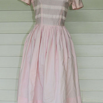 1950s Pink Blush Lace and Pin Tucks Bodice Cotton Dress Size S to M