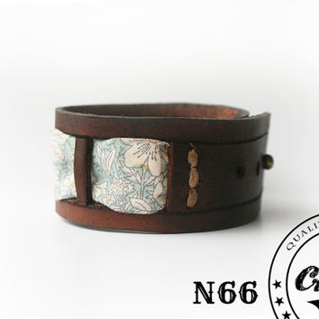 JUST 1 AVAILABLE * Leather Bracelet with Japonese flowers patern - Women Fashion - Beautiful flowers Pattern Bangle - Free shipping