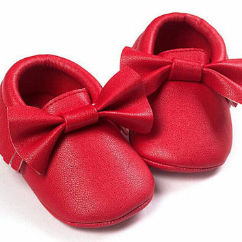 Red Moccasins, Baby Moccasins, Toddler Bow Moccasins, Red Baby Shoes, Vegan Soft Sole 3-18 months Infant Shoes Gift, 4th of july outfit
