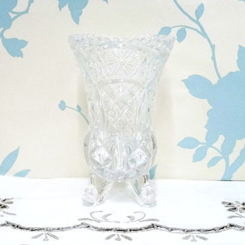 Small Vase with Daisy and Criss Cross Pattern, Saw Tooth Rim, Pressed or Depression Glass, Like Lausiter or Polonia, Vintage Wedding, 0607