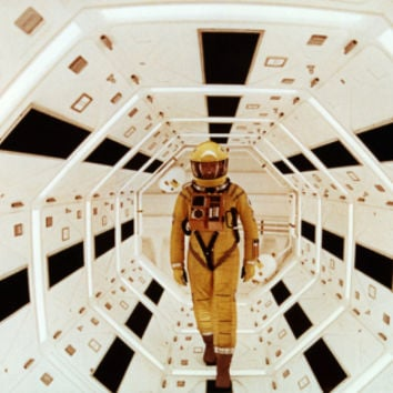 2001: A Space Odyssey Directed by Stanley Kubrick Avec Gary Lockwood Premium Poster at Art.com