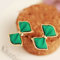 Bright green bow stud earrings with gold plate