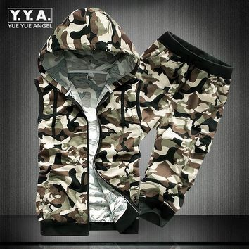 2018 Summer New Mens Casual Suit Sleeveless Hooded Sweatshirt Clothing Sets Camo Fashion T-Shirt Set +Shorts Two Piece Male Sets