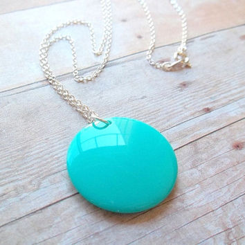 R O U N D - Bright Turquoise Teal Blue Vintage Plastic Round Circle Geo Shape Charm Pendant Silver Plated Necklace