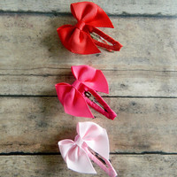 Valentines Hair Clips, Red and Pink Snap Clips, Mini Hairbows on Ribbon Covered Snap Clips