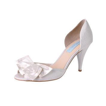 Betsey Johnson Womens Lily Solid Peep-Toe D'Orsay Heels