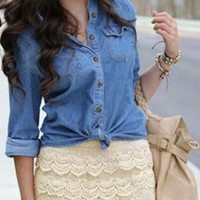 beige crotchet tiered shorts