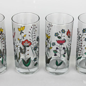 Water Glasses, Tumblers, Toasting Glasses, Wedding Glasses, Anniversary glasses, Kalocsa Embroidery design, Hand painted, Set of 2
