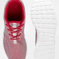 Nike Rosherun Berry Red Trainers