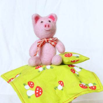 Needle Felted Toy Pig, Jointed Teddy Bear, Play Set