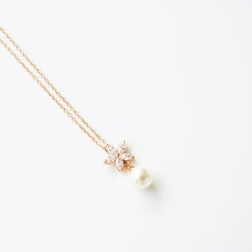 18K Rose Gold plated Austrian Flower crystal with pearl necklace