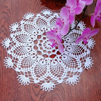 Crochet doily 13 inches Round lace doily White crochet doily Crochet table topper White lace table topper White crochet centerpiece