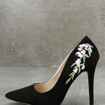 Circe Black Embroidered Pointed Pumps