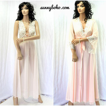 Vintage nightgown peignoir set 1970s Jolie nightgown robe size S  70s pink lace negligee / robe wedding honeymoon lingerie SunnyBohoVintage