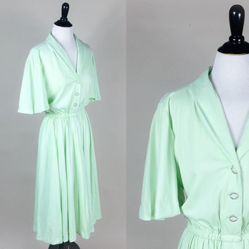 Felicity dress // 70s mint green ultra draped jersey knit full sweep midi dress // caped sleeves cute buttons // size XL