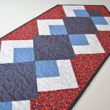Quilted Table Runner , Americana Patriotic Table Mat , Red/White/Blue Calico Floral Table Runner