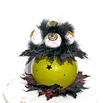 Eyeball Centerpiece / Spooky Eyeballs / Witch Cauldron / Green and Black / Halloween Decor / Witch Decor / Wicked Witch / Witch Halloween