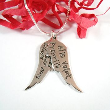 She Flies With Her Own Wings Necklace - Alis Volat Propriis