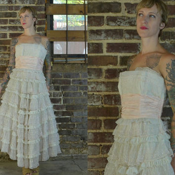 1950's Cupcake Pink and White Laced Strapless Clamshell Prom Dress