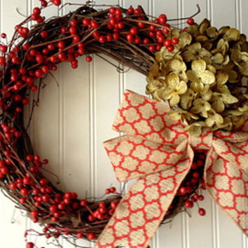 Christmas berry wreath. wreath for christmas. christmas decor. holiday wreath. wreath for door.