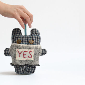 Soft creature say Yes or No grey creature for by thedollsunique