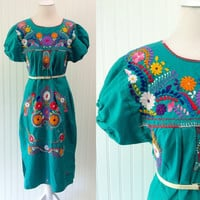Susannah dress // 70s emerald green cotton Mexican embroidered hippie boho dress // puff sleeves // size OSFM