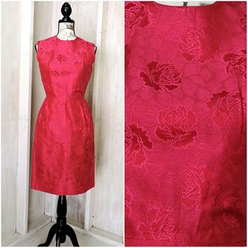 Vintage 60s silk brocade dress size 7 / 8 /  1960s Royal Lynne  Hong Kong / pink / fuchsia silk Asian party formal wiggle dress