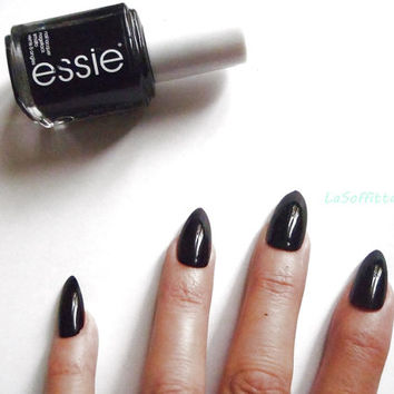 stiletto fake nails black glossy halloween false nails christmas kitsch rockabilly night sexy pointy fashion chic acrylic lasoffittadiste