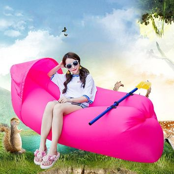 Fashion colorful Shaded air sofa lazy sleeping bag portable outdoor beach shade inflatable sofa bed With paddle
