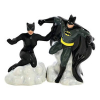 BATMAN AND CATWOMAN SALT AND PEPPER SHAK