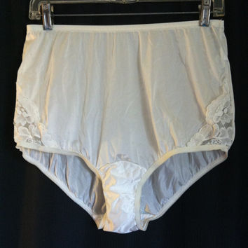 Vintage Vanity Fair High Waist Lace Inset Brief Panties Lacy Granny Panty L Large Cream Nylon