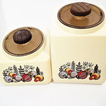 Mid Century Rubbermaid Canister Set Vegetable Motif