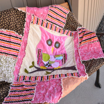 25% off Christmas Sale Owl RAG QUILT, Baby Girl Crib Blanket, Pink, Green, Brown, Orange,, Vintage, Ready to Ship