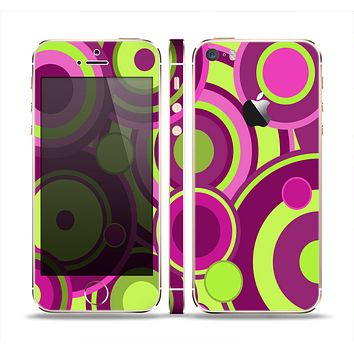 The Purple and Green Layered Vector Circles Skin Set for the Apple iPhone 5s