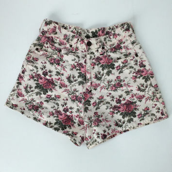 90's Pink Floral Rose Print High Waisted Denim Shorts // M