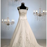 Buy Luxury Classic Style A-line Wedding Gown (L# r8033)
