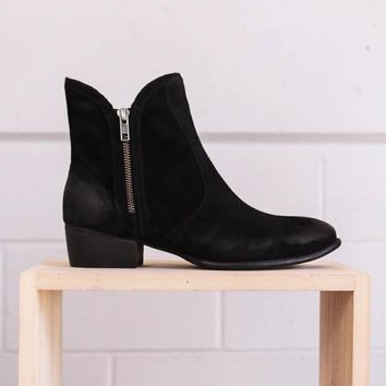 Seychelles Lucky Penny Suede Boots - Black